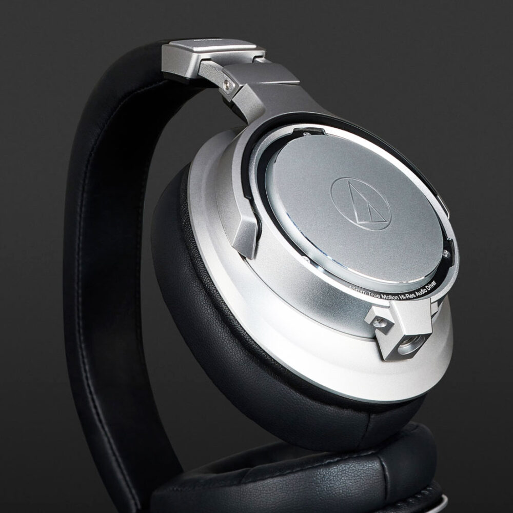 audio-technica-ATH-SR9-4